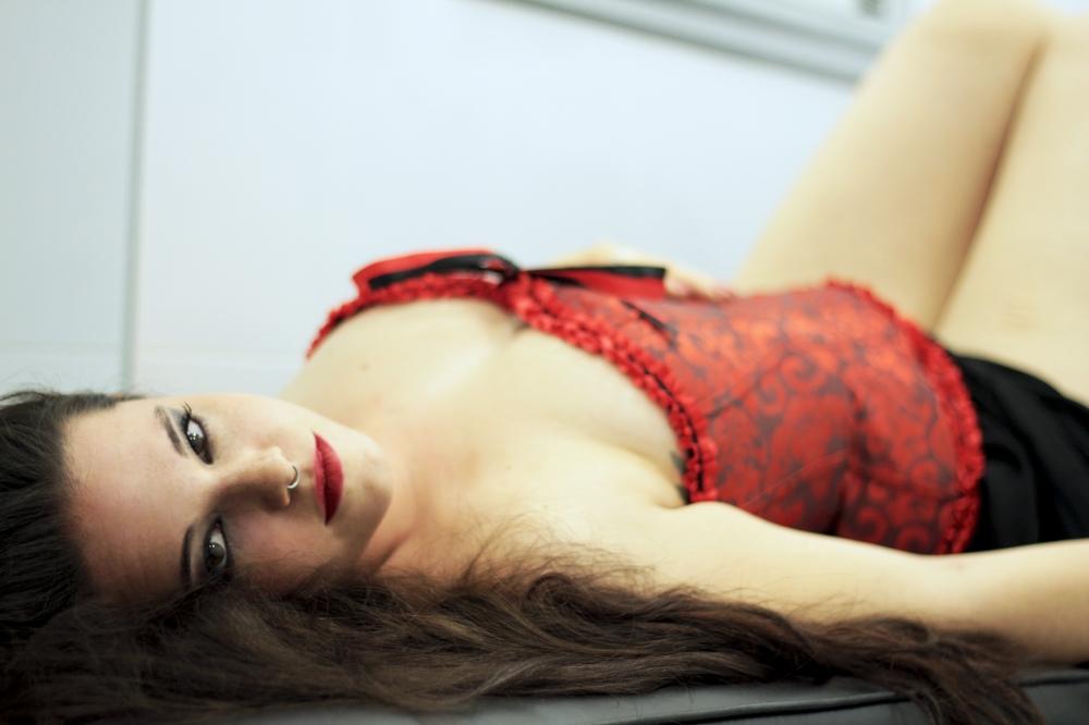 Adela roja
